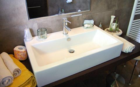 Ampio bagno per disabili